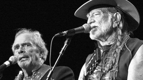 Merle Haggard & Willie Nelson Breathe New Life Into Bob Dylan's 'Don't Think Twice, It's All Right' | Country Music Videos
