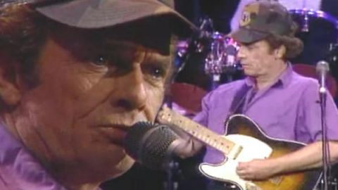 Merle Haggard – A Place To Fall Apart (VIDEO) | Country Music Videos