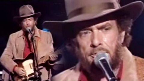 Merle Haggard – Begging To You | Country Music Videos
