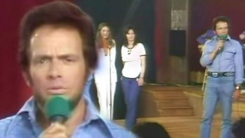 Merle Haggard – What Have You Got Planned Tonight, Diana (1977 Live) (WATCH) | Country Music Videos