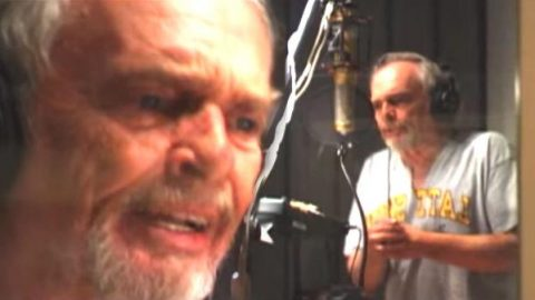 Merle Haggard – I'm A White Boy (August 2004 Rare Video) (WATCH) | Country Music Videos