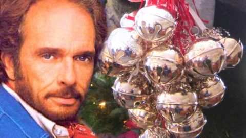 Merle Haggard Immortalizes The Holidays With Dazzling 'Silver Bells' | Country Music Videos