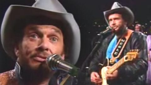 Merle Haggard –  There's A Pair Of Blue Eyes Down In Texas (Live From Austin TX) | Country Music Videos