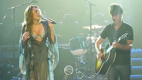 Miley Cyrus' Heart-Stopping 'Landslide' Cover Left Thousands Begging For More | Country Music Videos