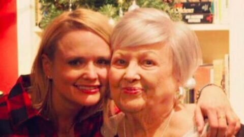 Miranda Lambert's Gift From Grandmother Causes Outrage | Country Music Videos