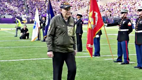 Entire NFL Stadium Stands To Honor Veterans During Sunday's Emotional 'Salute To Service' | Country Music Videos