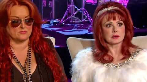 Wynonna Judd Defends Her Mom Against 'Hideous' Critic | Country Music Videos