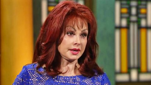Naomi Judd Reveals Her Terrorizing & Nightmarish Mental Illness | Country Music Videos