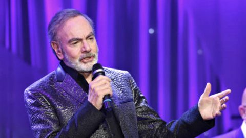 Beloved Singer Announces Immediate Retirement Following Parkinson's Diagnosis | Country Music Videos