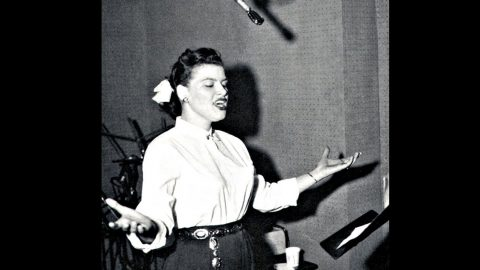Age-Old Hymn Rises Up Through Patsy Cline's Angelic Voice | Country Music Videos