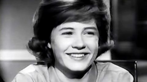 Legendary Actress Patty Duke Dead At 69 | Country Music Videos