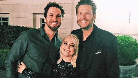 Blake Shelton Gives RaeLynn Heartwarming Advice That We All Can Live By | Country Music Videos