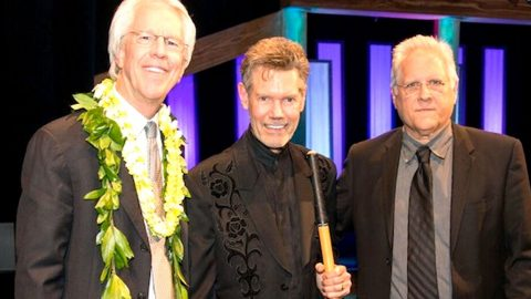 Randy Travis Makes Surprise Appearance In Nashville | Country Music Videos
