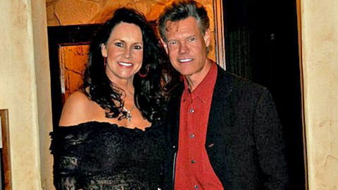 'Pull The Plug', Randy Travis' Wife Reveals What Doctors Told Her | Country Music Videos