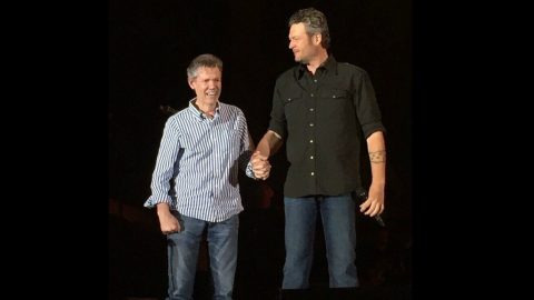 Randy Travis Surprises Festival Goers When He Joins Blake Shelton On Stage | Country Music Videos