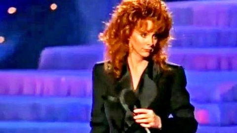 Reba's Crew Attempts To Prank Her. Her Reaction? Priceless!   Country Music Videos