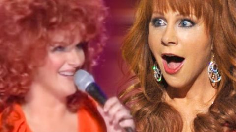 Trisha Yearwood's Hilarious Impersonation of Reba McEntire! | Country Music Videos