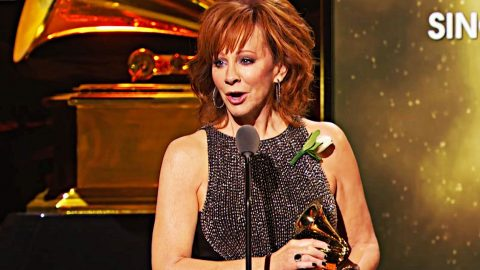 Reba's Tearful Grammy Speech That You Didn't See Before | Country Music Videos