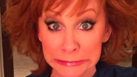"""Reba Shares A """"Li'l Cowgirl Advice"""" After Hair Disaster   Country Music Videos"""