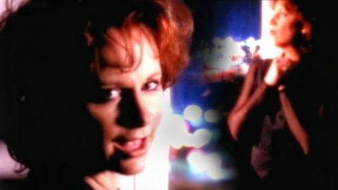 Reba McEntire – Fear Of Being Alone (WATCH) | Country Music Videos