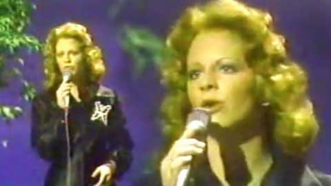 Reba McEntire – Last Night, Ev'ry Night (Live) (VIDEO) | Country Music Videos