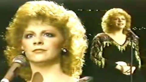 Reba McEntire – Sweet Dreams (Live) | Country Music Videos