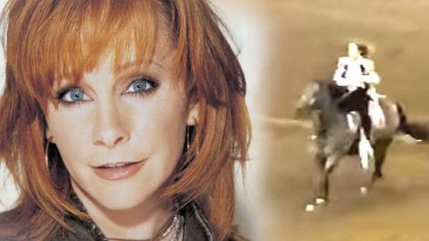 Reba McEntire Shows Off Her Rodeo Skills! (WATCH) | Country Music Videos