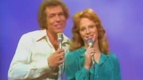 Reba McEntire and Jacky Ward – Three Sheets In The Wind (WATCH) | Country Music Videos