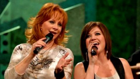 Reba McEntire and Kelly Clarkson – Since U Been Gone (WATCH) | Country Music Videos