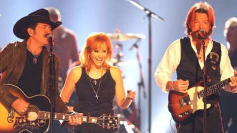 Reba McEntire with Brooks and Dunn – Put A Girl In It | Country Music Videos