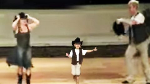 Little Wrangler Steals The Show During Cute 'Redneck Woman' Line Dance | Country Music Videos