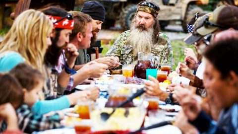 The Robertson's Give Thanks To God   Country Music Videos