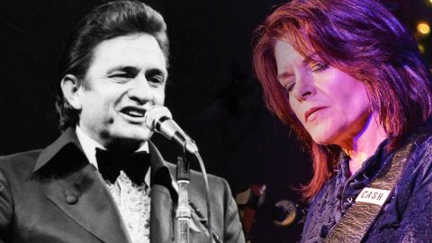 Johnny Cash's Eldest Daughter Rosanne Receives A Nashville Honor | Country Music Videos