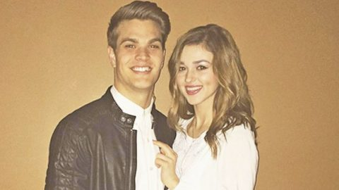 Sadie Robertson's Boyfriend Shares Photo That Proves Just How Sweet He is | Country Music Videos