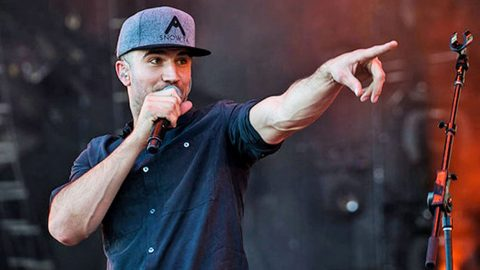 Audience Paralyzed When Famous Words Fly Out Of Sam Hunt's Mouth | Country Music Videos