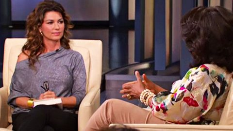 Shania Twain's Cry For Help Answered With Discovery Of Abducted Fan | Country Music Videos