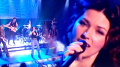 Shania Twain – I'm Not In The Mood (To Say No!) Live (VIDEO) | Country Music Videos