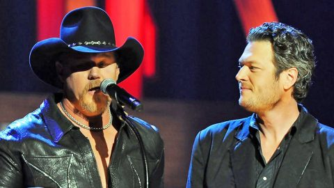 HILARIOUS: Trace Adkins Unexpectedly Interrupts Blake Shelton's Interview | Country Music Videos