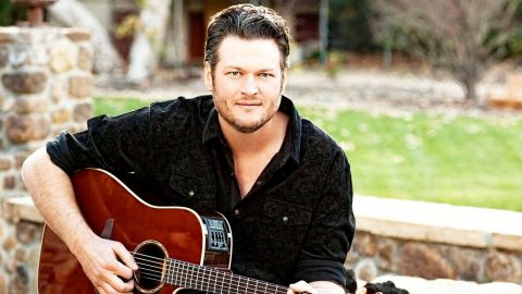 Blake Shelton Reveals New Tour For 2016 | Country Music Videos