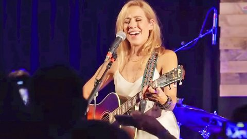 Sheryl Crow Stuns Crowd At Rolling Stone Country Party