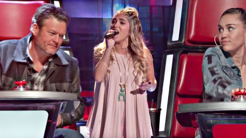 Powerhouse 18-Year-Old Floors Blake & Miley With Kelly Clarkson Cover | Country Music Videos