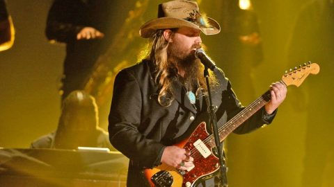 Chris Stapleton Joins The Elite With Bluesy 'Saturday Night Live' Debut | Country Music Videos