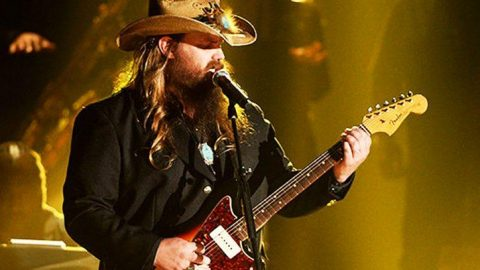 Chris Stapleton Paralyzes Audience With Old School Styled 'Nobody To Blame' | Country Music Videos