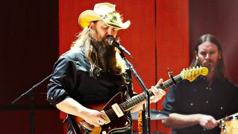 Chris Stapleton Mourns Tom Petty Through Unforgettable 'Learning To Fly' Tribute | Country Music Videos