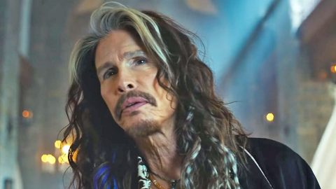 Steven Tyler Responds To Aerosmith Bandmate's Criticism | Country Music Videos