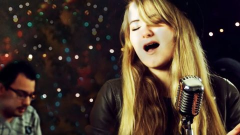 Sweet Girl's Heavenly Cover Of 'Angels Among Us' Will Bring You To Your Knees | Country Music Videos