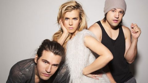 The Band Perry Fights Back When Fans Started 'Freaking Out' | Country Music Videos