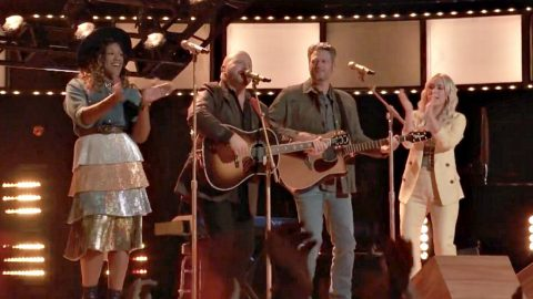 Blake Shelton Joins His 'Voice' Team For Rockin' Cover Of Hank Williams Jr. Tune | Country Music Videos