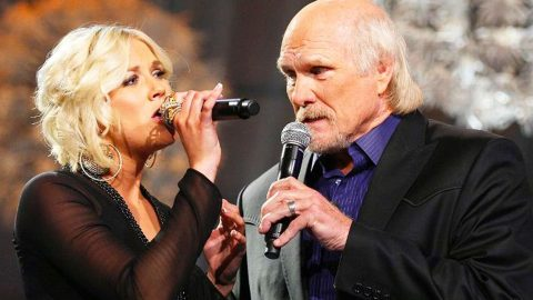Former NFL Superstar Terry Bradshaw Makes A Surprising Church Performance | Country Music Videos