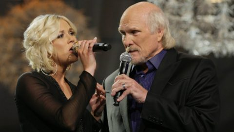 NFL Hall Of Famer Terry Bradshaw Joined By Daughter For Duet | Country Music Videos